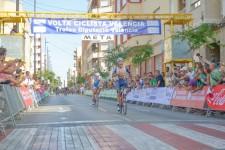 El luso Gaspar Gonçalves gana en Gandía y se viste de líder de la Volta a València - Trofeu Diputació
